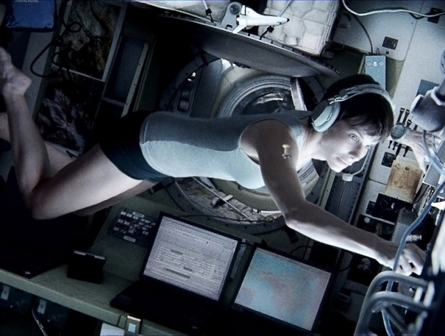 Sandra-Bullock-in-Gravity-2013-Movie-Image (1) - Copia