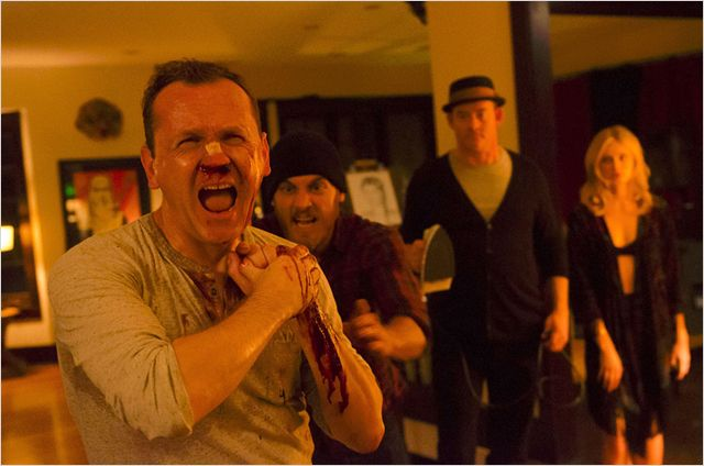 Cheap-Thrills-Photo-David-Koechner-Ethan-Embry-Pat-Healy