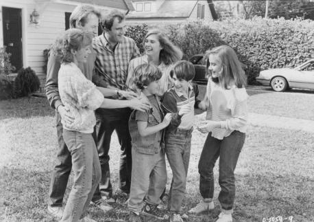still-of-mary-beth-hurt,-colleen-camp,-amy-linker,-michael-mckean,-barret-oliver-and-steve-ryan-in-d.a.r.y.l.-(1985)