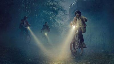 stranger-things-online-poster-trailer-della-nuova-serie-con-winona-ryder-v2-263862